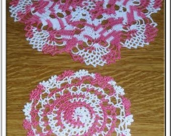 SET OF TWO PLACEMATS POVERTY OF PINK AND WHITE - NEW - HANDMADE