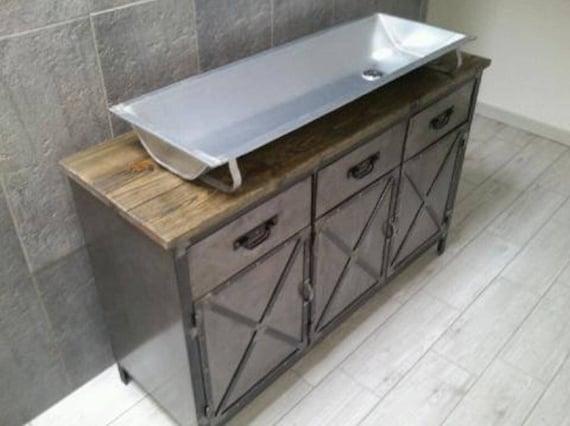 meuble industriel de salle de bain avec son auge. Black Bedroom Furniture Sets. Home Design Ideas