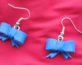 small bow earring