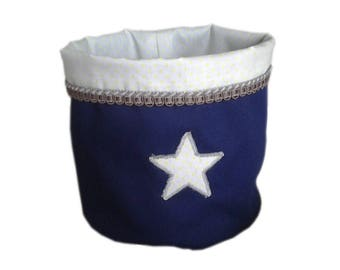 Big storage basket for baby boy in marine cotton. Light grey and yellow star pattern.