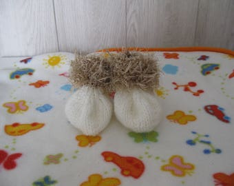 poilee and ecru wool baby shoes