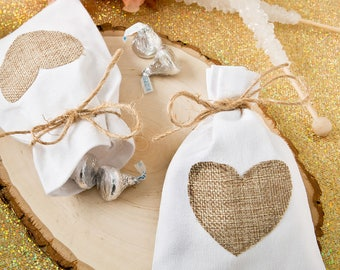 36 Rustic shabby chic White cotton favor bag with Burlap heart applique - Set of 36