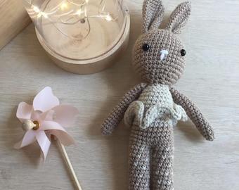 Cuddly crochet Bunny amigurumi beige DIY