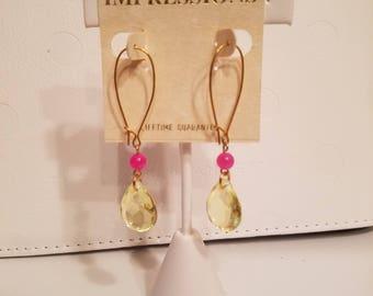 Summer colors! Gold tone dangle earrings