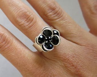"""Black crystal flower"" ring"