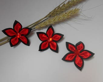 3 flowers Satin Red and black 6 cm
