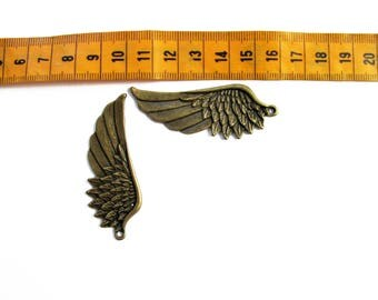 Set of 2 large brass wings charms