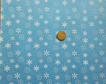 1 sheet of blue felt with white snowflakes 30 x 30 cm