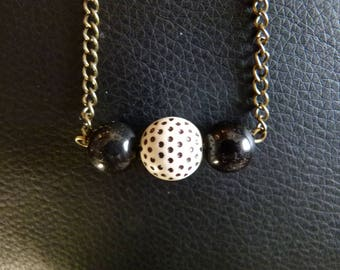 "Necklace ""trio of pearls"" black and polka dots"