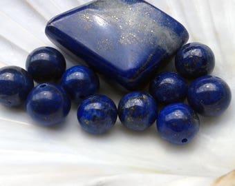 A Lapis-Lazuli 12mm round pearl