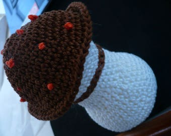 mushroom crocheted volume 14 centimeters high