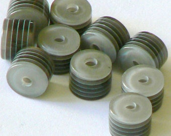 Pearl grey white black rayeegrise vertical cylinder 6 x 8 x 10 mm