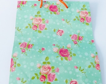 18 X 23 cm green and pink flower-resistant paper gift bag