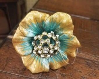 ON SALE Flower and Diamond Drawer Knob/Pulls/Cabinet Knobs-/Dresser Knobs/Drawer Pulls/Knobs/Shabby Chic/Knob/Jewelry Knob/Diamond Knob