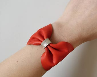 Poppy leather cuff