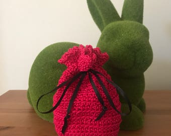 T Makes Treasure Crochet pouch - bright pink