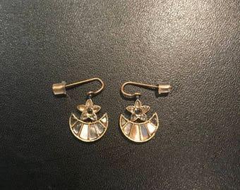 Amber Sami - logo baby baguette earring