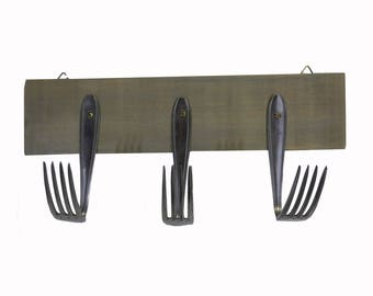 Kitchen utensils holder forks