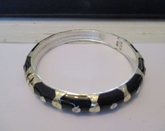 silver plated Bangle and resin