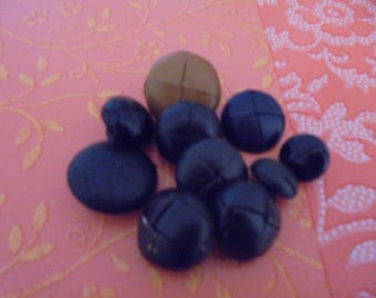 Set of 10 Vintage Leather buttons