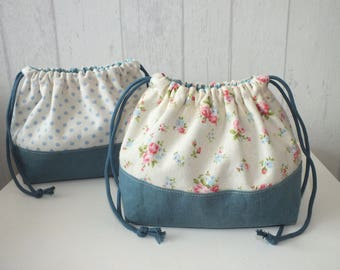"Set of 2 bags purse ""Obento kinchaku"" linen and cotton ""Yuwa"" pattern blue polka dots and flowers."