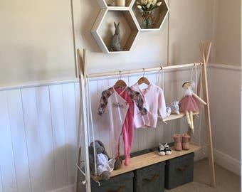 Wooden clothes rack (Medium)