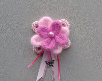 Pink wool flower brooch