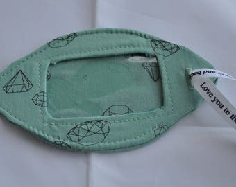 Simple green diamond pattern luggage tag