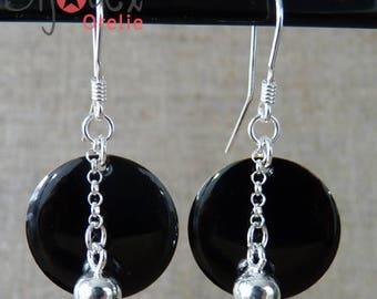 Earrings in silver and black sequin and silver bead