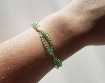 Green bracelet with seed beads