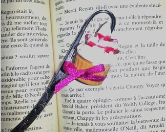 Fimo whipped Strawberry cupcake bookmark