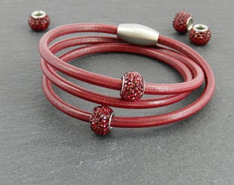 Red leather wrap bracelet with Strassperlen | | Magnetic closure