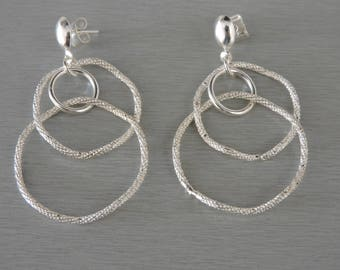 Chic and glamorous earrings