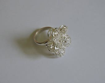Stunning sterling silver adjustable flower ring