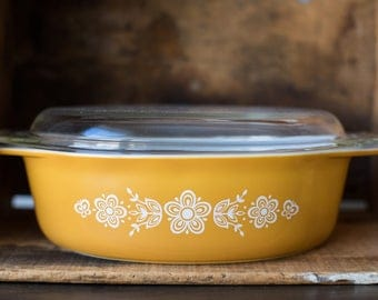 Vintage Pyrex 045 Casserole Dish with Lid