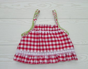 Thin straps gingham baby top.