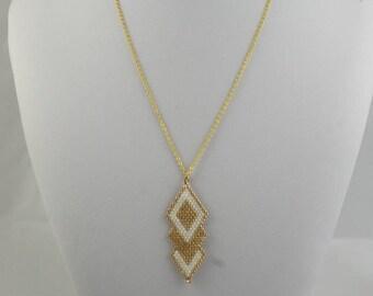 "Pendant ""Diamond gold"" and chain"