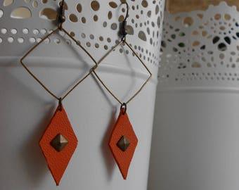 Earrings • CASHEW • bronze / orange