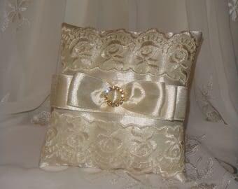 Ring Bearer Pillow Ivory