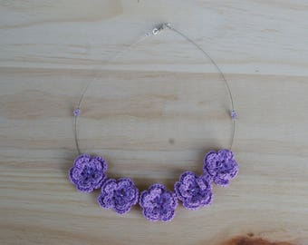 the Choker necklace with purple crochet flowers and swarovski crystal beads
