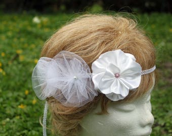 Three romantic white flowers for your hair, wedding headband