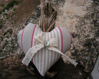 "Door cushion ""heart"" hanging in linen and lace"