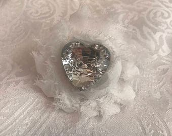 Magnetic Clip with flower and rhinestone heart