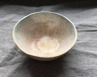 Bowl-white spots/effects