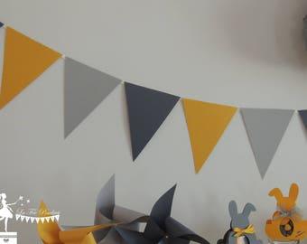 12 dark gray - gray - yellow Bunting 155cm