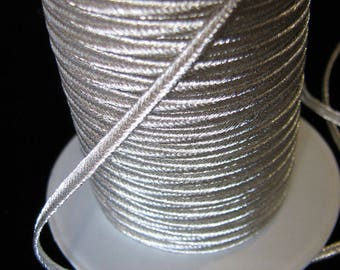 Stripe 2 m of soutache silver 2.5 mm mm for Landes spacers boleros embroidery.
