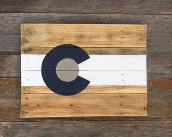 Colorado Flag Wood Sign - Rustic Colorado Flag - Rustic Colorado Sign - Colorado Wall Art - Colorado Flag Art - Recycled Wood Sign - Sign