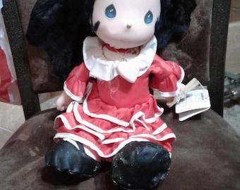 Vintage Precious moments world's children Maria doll