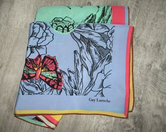 Beautiful vintage Guy LAROCHE silk scarf, hemmed by hand, in very good condition 85 X 92 cm