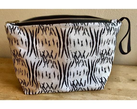 African Fabric Wash Bag, gifts, giftsforher, giftsforhim, washbag, makeupbag, toiltries, toilertybag
